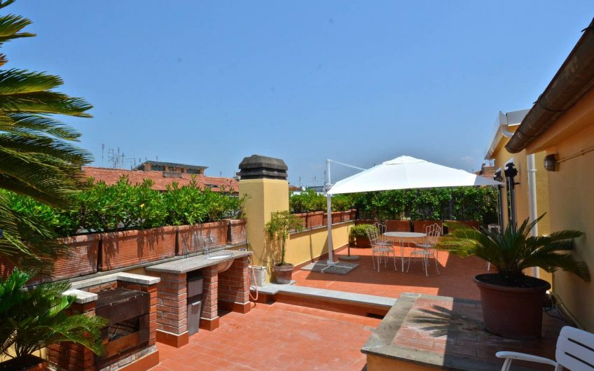 Vatican Family Apartment with Terrace, AC,WIFI